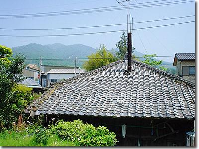 炭屋さんから見た加波山